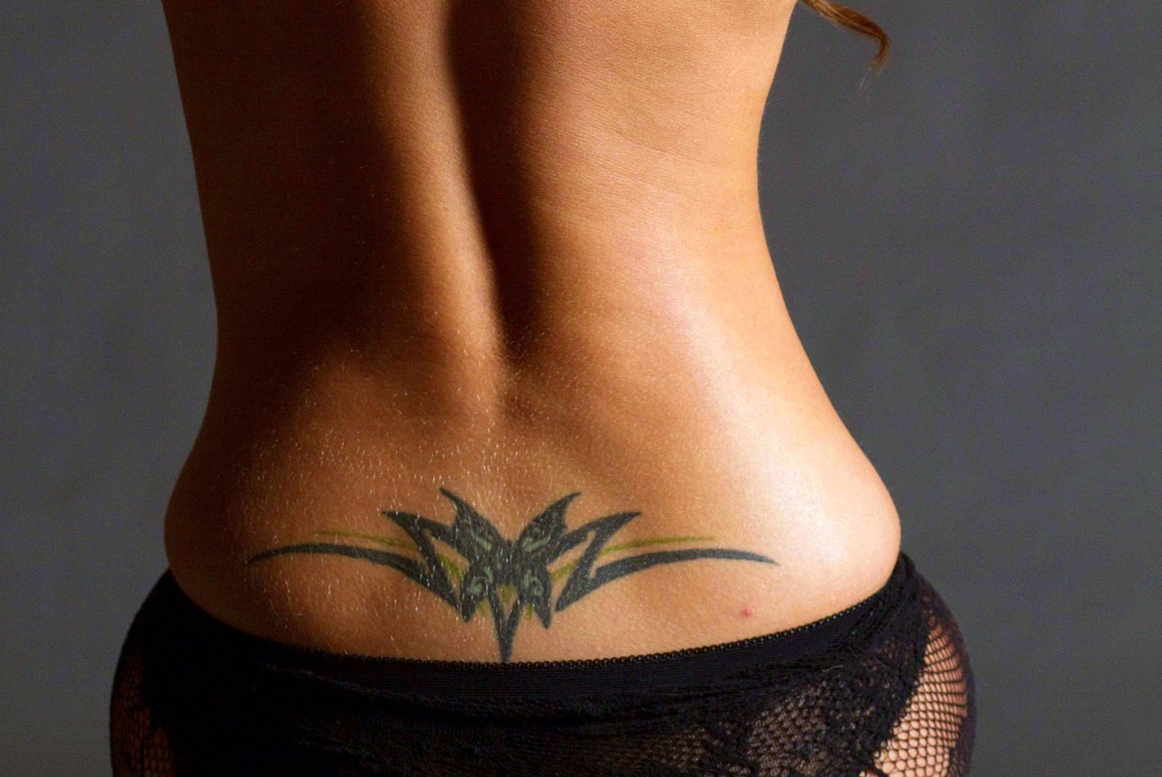Tatuaż W Ciąży Czy To Dobry Pomysł Mamy Mamompl