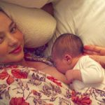 celebrities-breastfeeding-babies-miranda-kerr-640×426