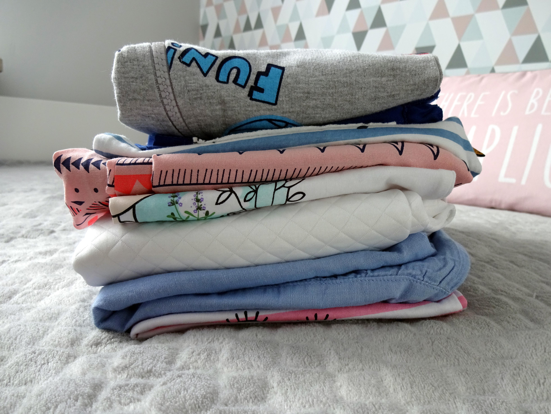 62851c9e8365c Jak kupować ubrania dla dzieci? - Mamy-mamom.pl